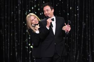 Video: Barbra Streisand Sings Medley of Duets With Jimmy Fallon on 'Tonight Show'