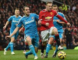 Red card mix-up as Rooney sends United third