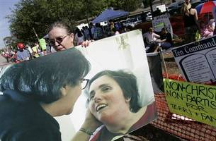 10 years later, Terri Schiavo's death still haunts